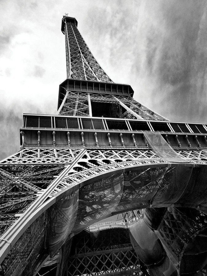 Wall Mural: Eiffel Tower (2) - 254x184 cm