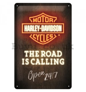 Metal sign: Harley-Davidson (The Road is Calling)  - 30x20 cm