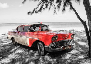 Wall mural: Cuba red car by the sea - 184x254 cm