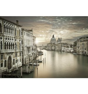 Wall mural: Twilight in Venice - 254x368 cm