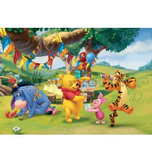 Wall Mural: Winnie the Pooh (celebration) - 368x254 cm